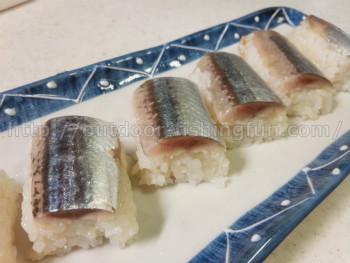 旬の秋刀魚 〆秋刀魚の棒寿司